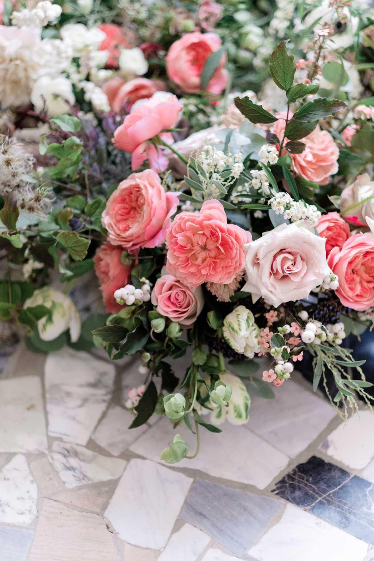 Composizioni di fiori a terra